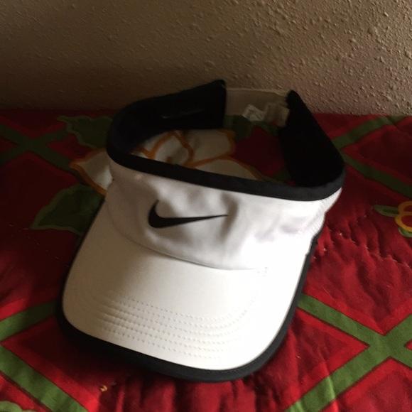 Nike visor dry fit Adjustable adult
